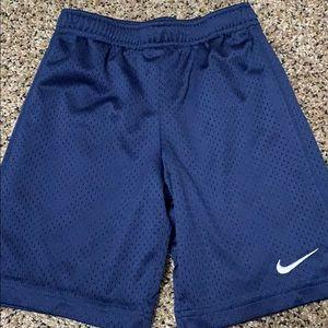 ☀️ boys Nike shorts